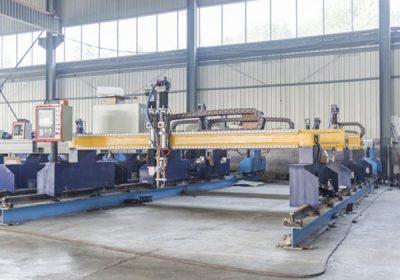 เครื่องตัดพลาสมา Jiaxin 1300 * 2500mm สำหรับเครื่องตัดโลหะพลาสม่าระบบควบคุมแผงหน้าจอ LCD พิเศษ